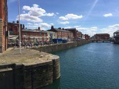 De gamla hamnkontoren i Hull är nu restauranger