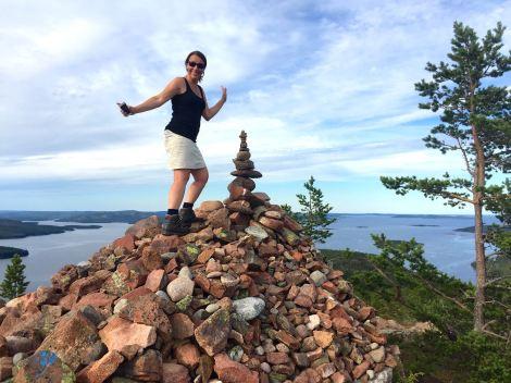 På toppen av Mjältön, Sveriges högsta ö