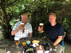Öl i klosterträdgården