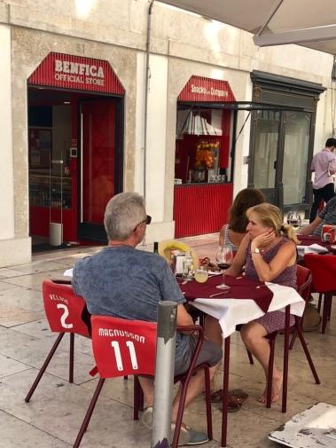 Mats Magnussons tröja i Benfica cafét