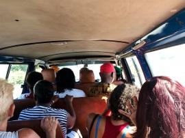 Med buss till Espargos