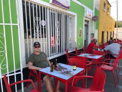 På torget i Espargos