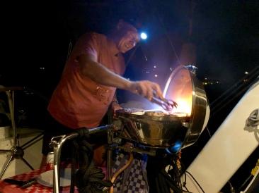 Tobbe i grilltagen på Petite Martinique