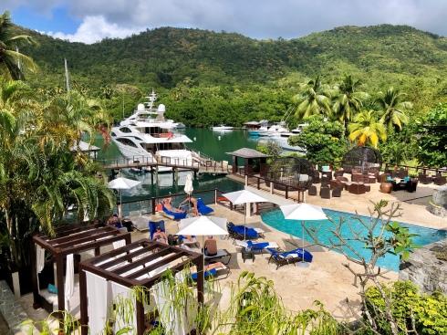 Utsikt från poolen, Marigot Bay