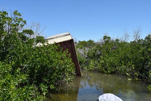 Containern som blåst en kilometer ifrån Codrington
