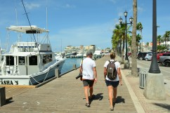 På promenad i Oranjestad
